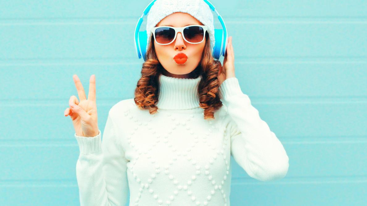 Mit unseren Hörbuch-Tipps kommen Sie gut durch den Dezember