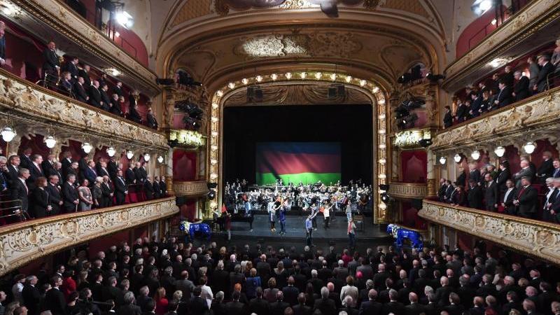 Staatstheater in Wiesbaden. Foto: Arne Dedert/dpa/Archivbild