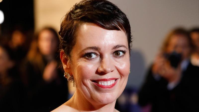 """In der TV-Serie """"Landscapers"""" übernimmt Olivia Colman die Rolle einer Mörderin. Foto: David Parry/PA Wire/dpa"""