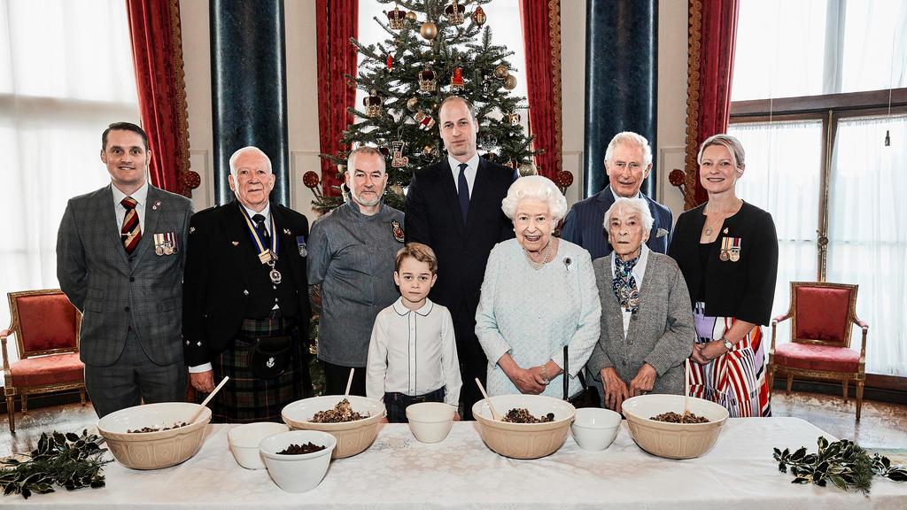 Weihnachtsbäckerei im Buckingham Palast.