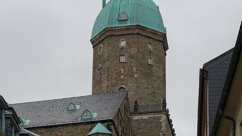 Die Außenansicht der St. Annenkirche in Annaberg-Buchholz. Foto: Peter Endig/zb/dpa/Archivbild