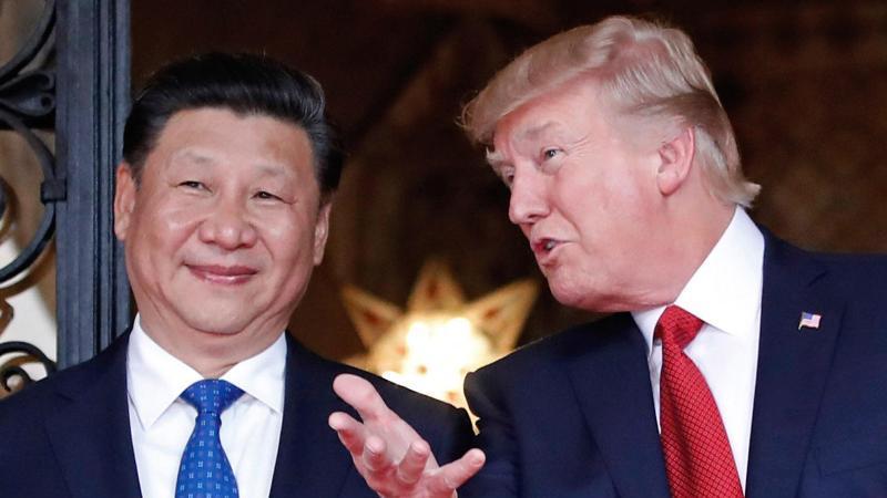Noch gefährlicher als Xi Jinping? US-Präsident Donald Trump empfängt in seinem privaten Anwesen den chinesischen Präsidenten. Foto: Alex Brandon/AP/dpa