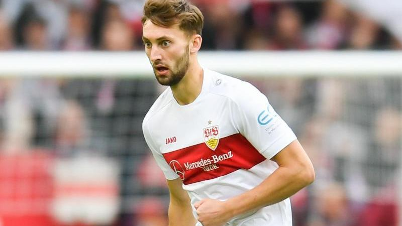 Nathaniel Phillips vom VfB Stuttgart in Aktion. Foto: Tom Weller/dpa/Archiv