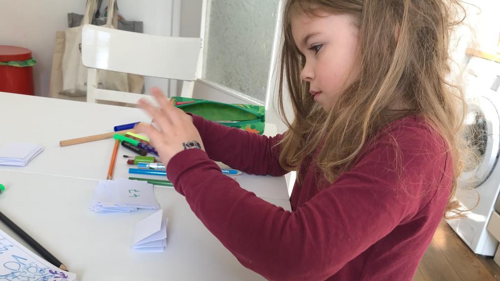 Spar-Challenge: Kind hilft mit