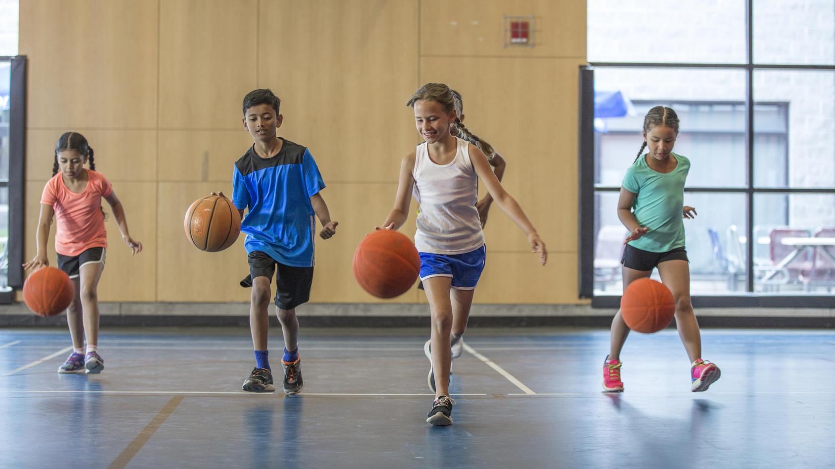 Beim Schulsport bewegen sich unsere Kinder - aber reicht das auch?