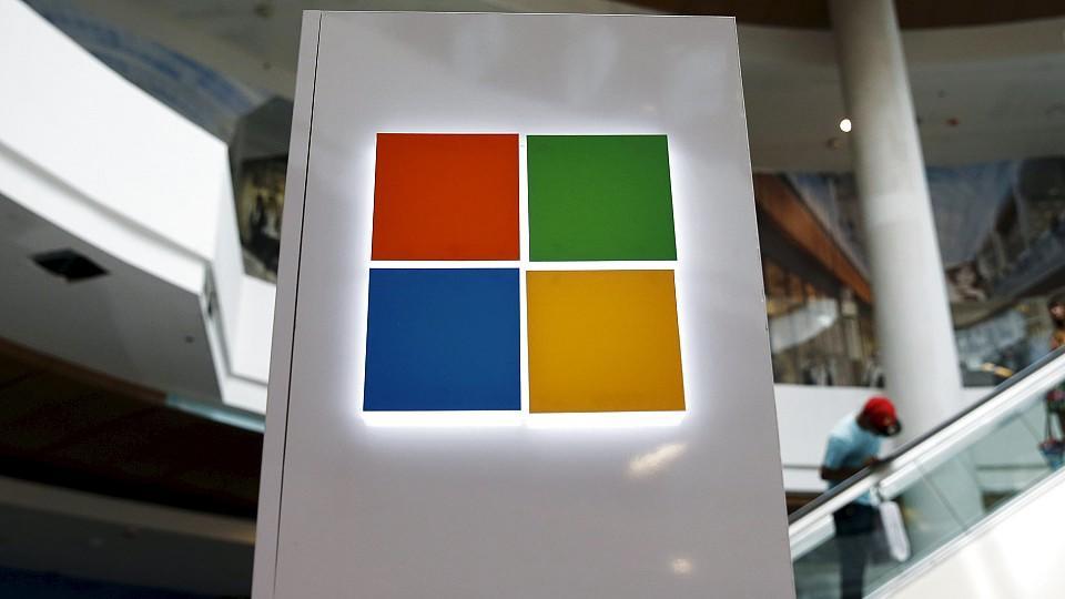 Windows ist ein weit verbreitetes Betriebssystem mit einprägsamen Kachel-Logo.