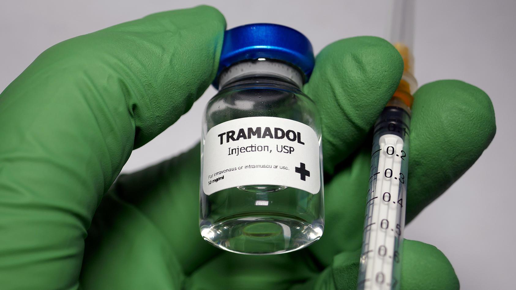 Tramadol wird zur Behandlung mäßig starker bis starker Schmerzen verwendet