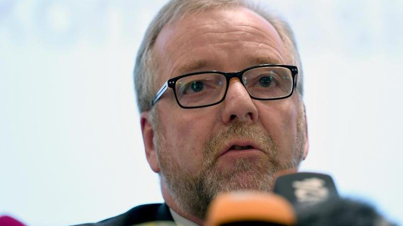 Nach kritischen Äußerungen über die rechtspopulistische AfD wird der Oldenburger Polizeipräsident Johann Kühme mit dem Tod bedroht. Foto: Carmen Jaspersen/dpa