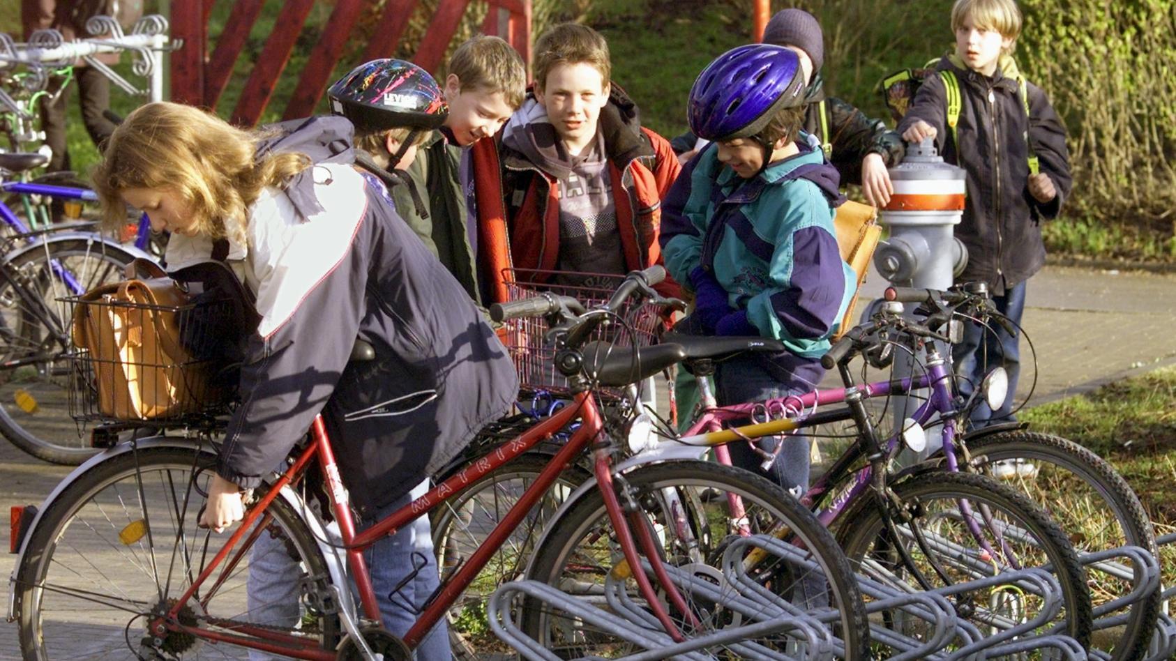 Am Grenzweg in Magdeburg dürfen Erstklässler der gleichnamigen Grundschule jetzt nicht mehr mit dem Rad zur Schule kommen (Symbolbild).