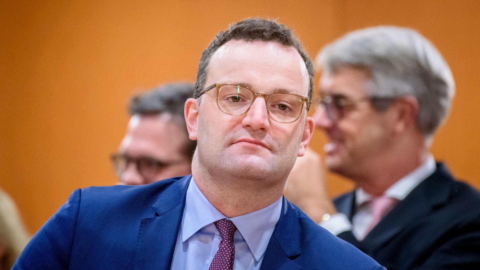 Gesundheitsminister Jens Spahn hat Sterbehilfe-Anträge pauschal ablehnen lassen.