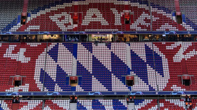 Rekordmeister FC Bayern spielt in der weltweiten Fußball-Geldrangliste weiter vorne mit. Foto: Matthias Balk/dpa