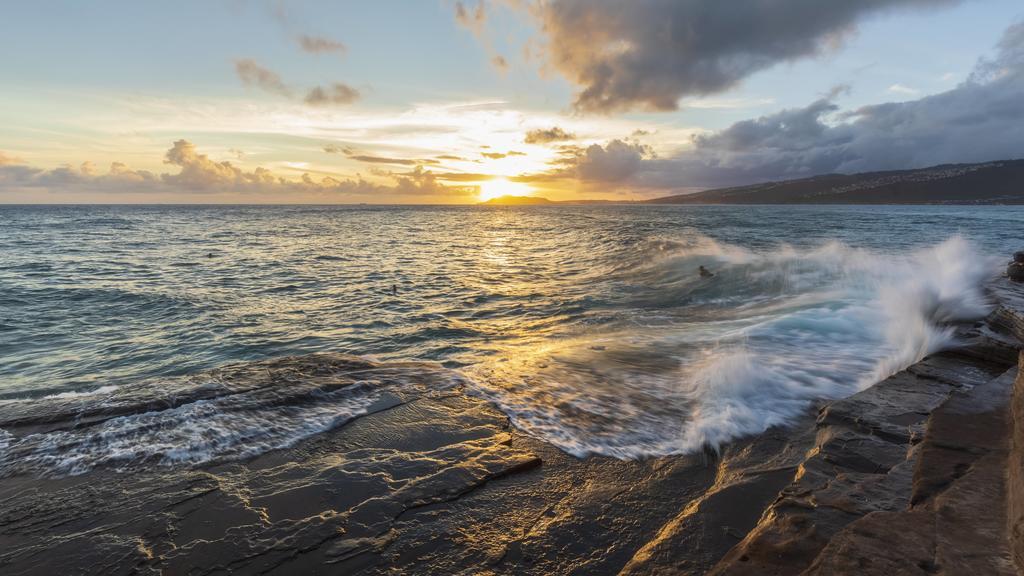 USA, Hawaii, Oahu, China Wall at sunset PUBLICATIONxINxGERxSUIxAUTxHUNxONLY FOF10272