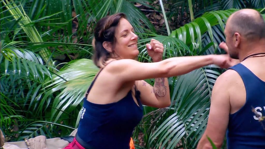 Aggressionstraining im Camp: Danni Büchner schlägt um sich!