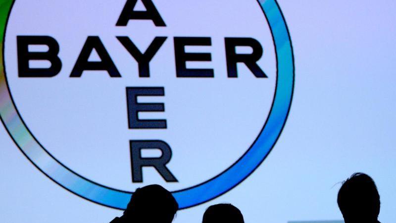 Bayer hatte sich 2018 mit dem über 60 Milliarden Dollar teuren Kauf des US-Saatgutriesen Monsanto immense Rechtsrisiken ins Haus geholt. Foto: Oliver Berg/dpa