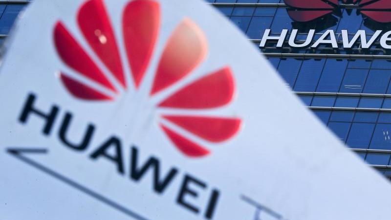 Unter Spionageverdacht:Der chinesische Telekomausrüster Huawei. Foto: Andy Wong/AP/dpa