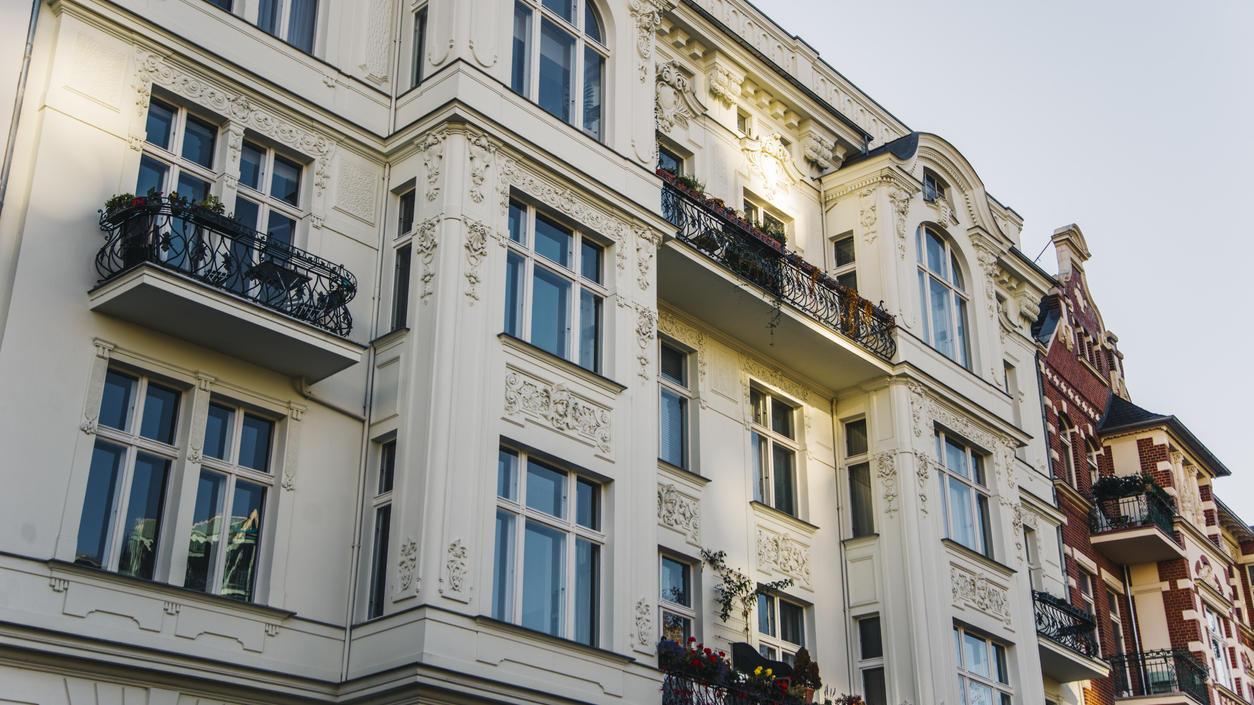 Aufgrund der Mietpreise ist Wohnen inzwischen ein Luxus geworden.