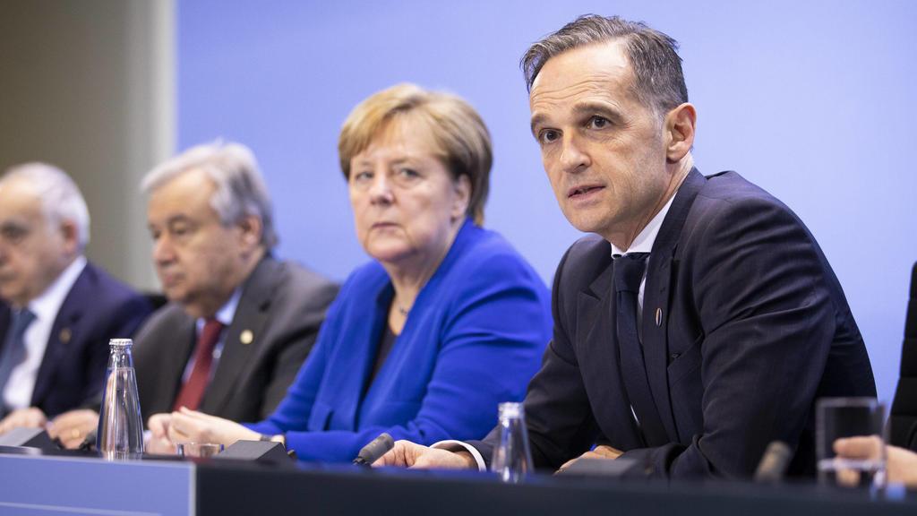 Kanzlerin Merkel und Außenminister Maas bei der Pressekonferenz.