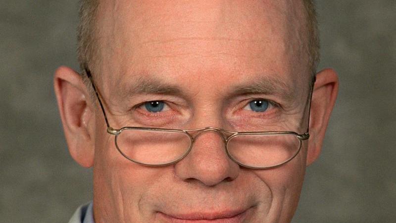 """Der Schauspieler Christoph Quest als Prof. Wagner in der ZDF-Serie """"Nordseeklinik"""". Foto: Nestor Bachmann/dpa-Zentralbild/dpa/Archivbild"""
