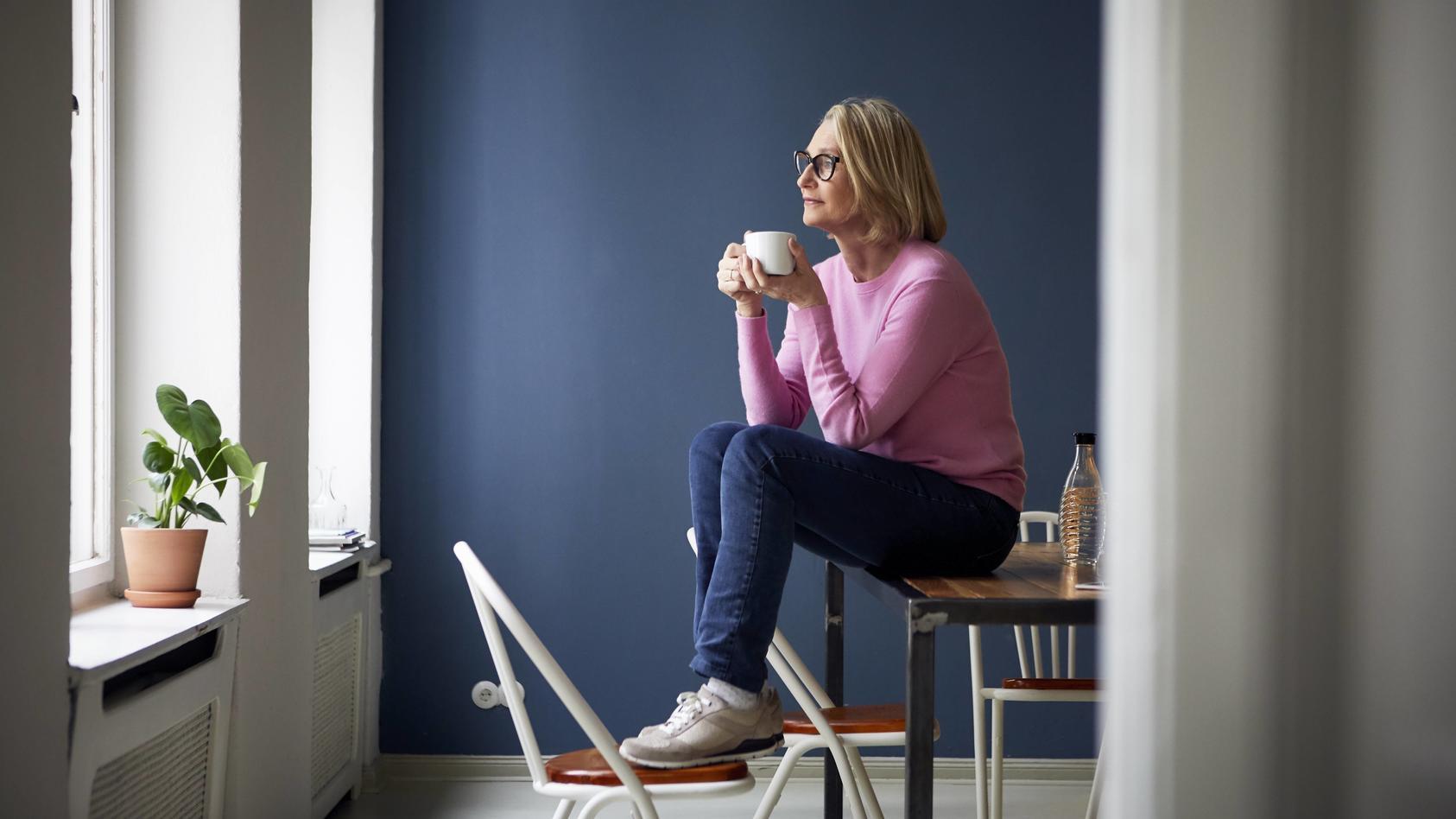 Viele erwachsene Frauen möchten gerne in einer Beziehung sein, wollen ihre Wohnung aber nicht mehr teilen.