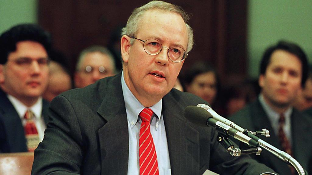 November 19, 1998, Washington, District of Columbia, USA: Special Prosecutor Kenneth Starr testifies during a United States House Judiciary Committee hearing on pending Articles of Impeachment against U.S. President Bill Clinton on Capitol Hill in Wa
