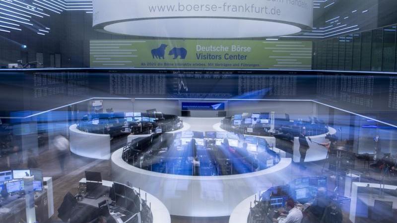 Rekordwert: Der deutsche Leitindex Dax stieg am Mittwoch zwischenzeitlich auf einen neuen Höchststand. Foto: Boris Roessler/dpa