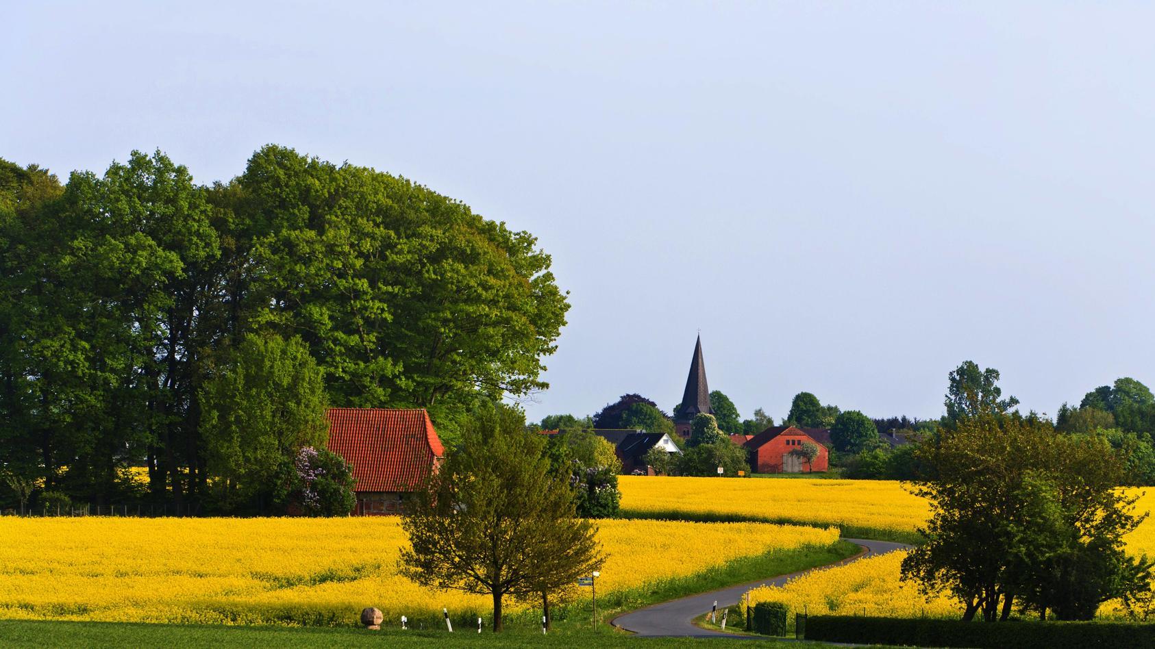 Zwischen Einsamkeit und Gemeinschaft: Alle müssen mitmachen, damit das Dorfleben funktioniert.