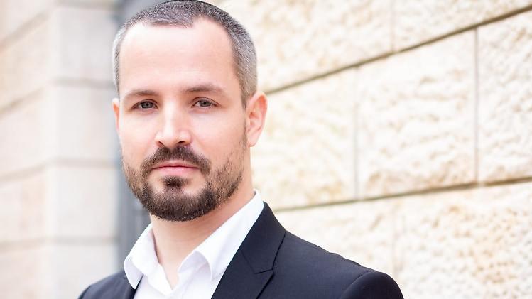 Yonatan Langer konvertierte zum Judentum, ungewöhnlich, denn er war früher Neonazi.