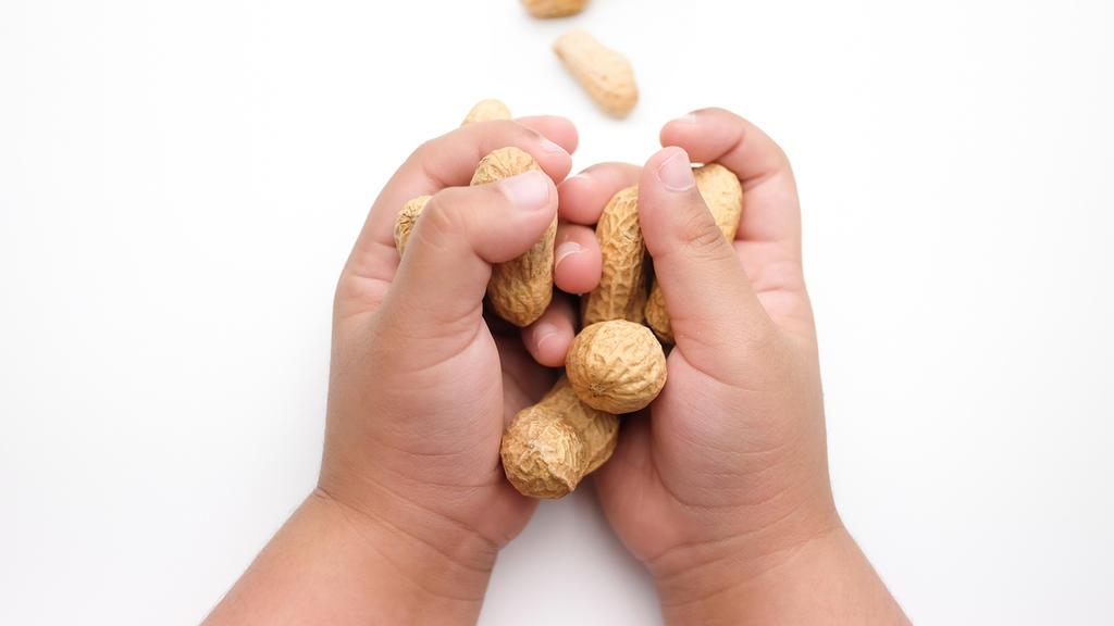 Viele Kinder leiden unter einer Erdnussallergie.