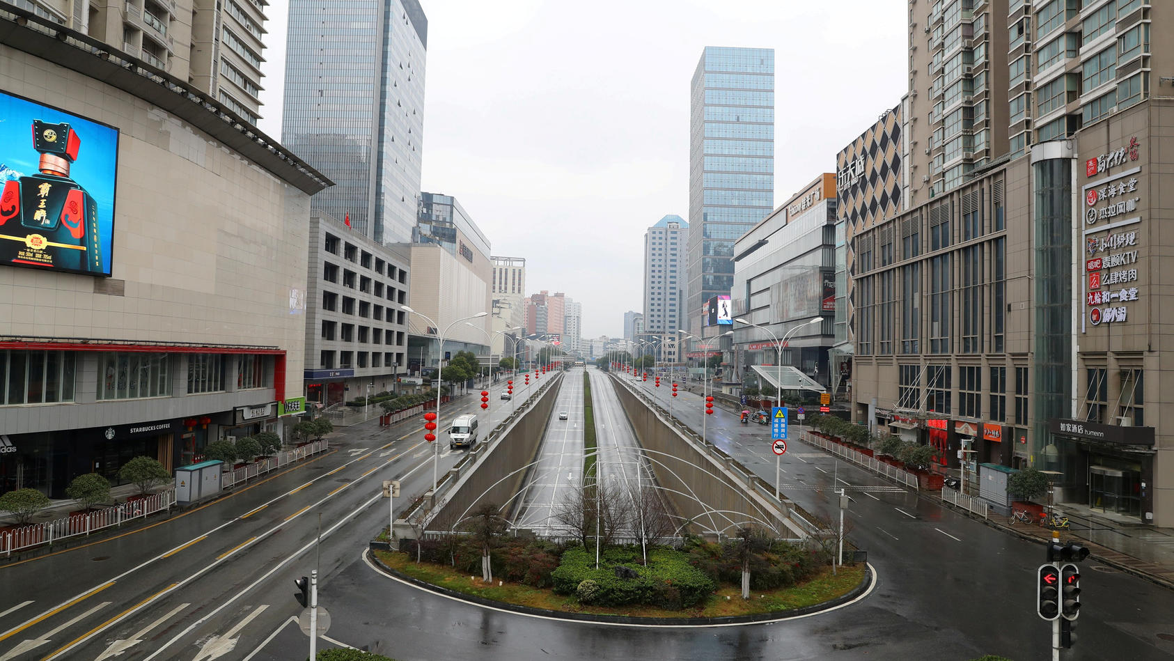 Geisterhaft leer sind die Straßen in Wuhan, viele Wohnungen verwaist. Dort warten nach Schätzungen noch Tausende Tiere auf die Rückkehr ihrer Herrchen und Frauchen.