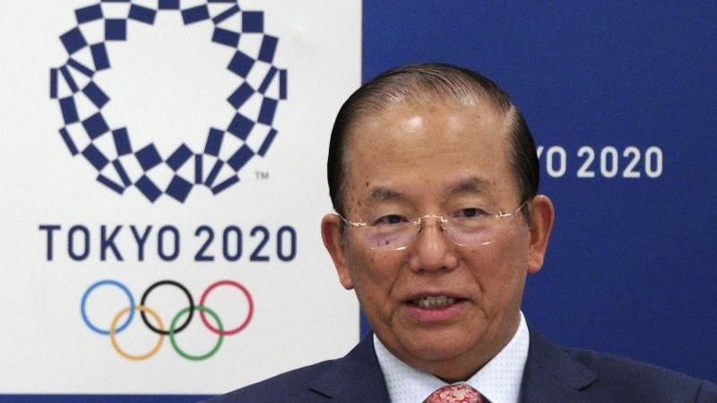 Toshiro Muto, Chef des japanischen Organisationskomitees, sorgt sich um die Auswirkungen des Coronavirus auf die Olympischen Spiele. Foto: Eugene Hoshiko/AP/dpa