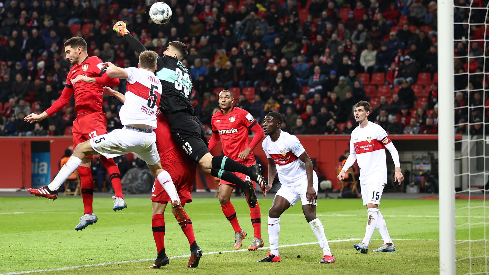 Bayer 04 Leverkusen v VfB Stuttgart - DFB Cup