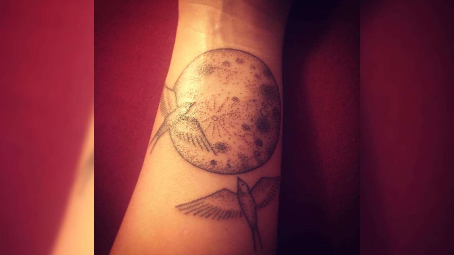 Trauer-Tattoos sind im Trend - RTL-Autorin Laura Waßermann hat selbst eins.
