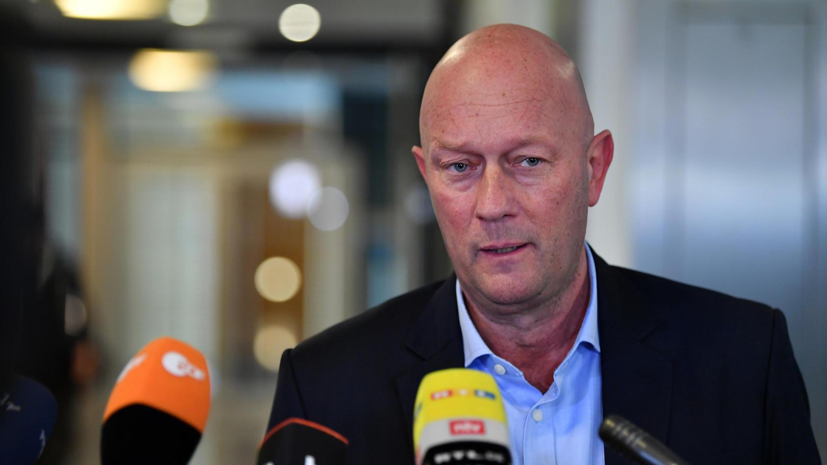 Nach Skandal Wahl In Thuringen Ministerprasident Thomas Kemmerich