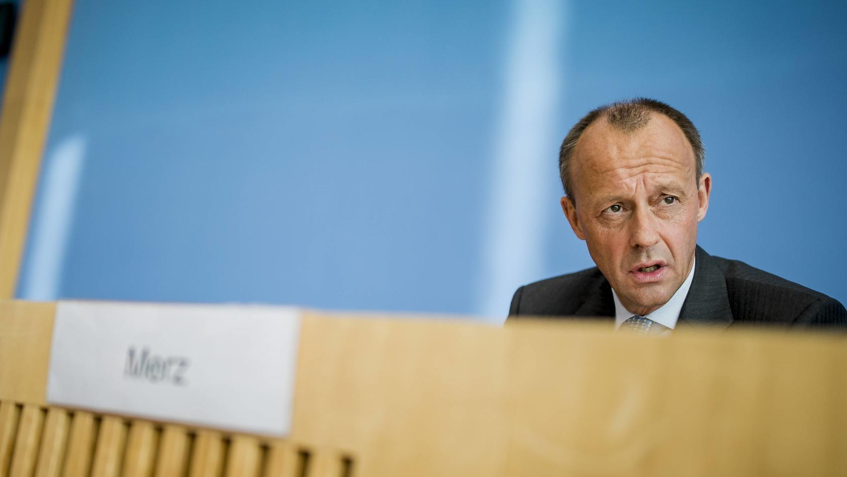 Friedrich Merz, CDU stellt sich am Mittwoch (31.10.18) in Berlin in der Bundespressekonferenz den Fragen der Journalist