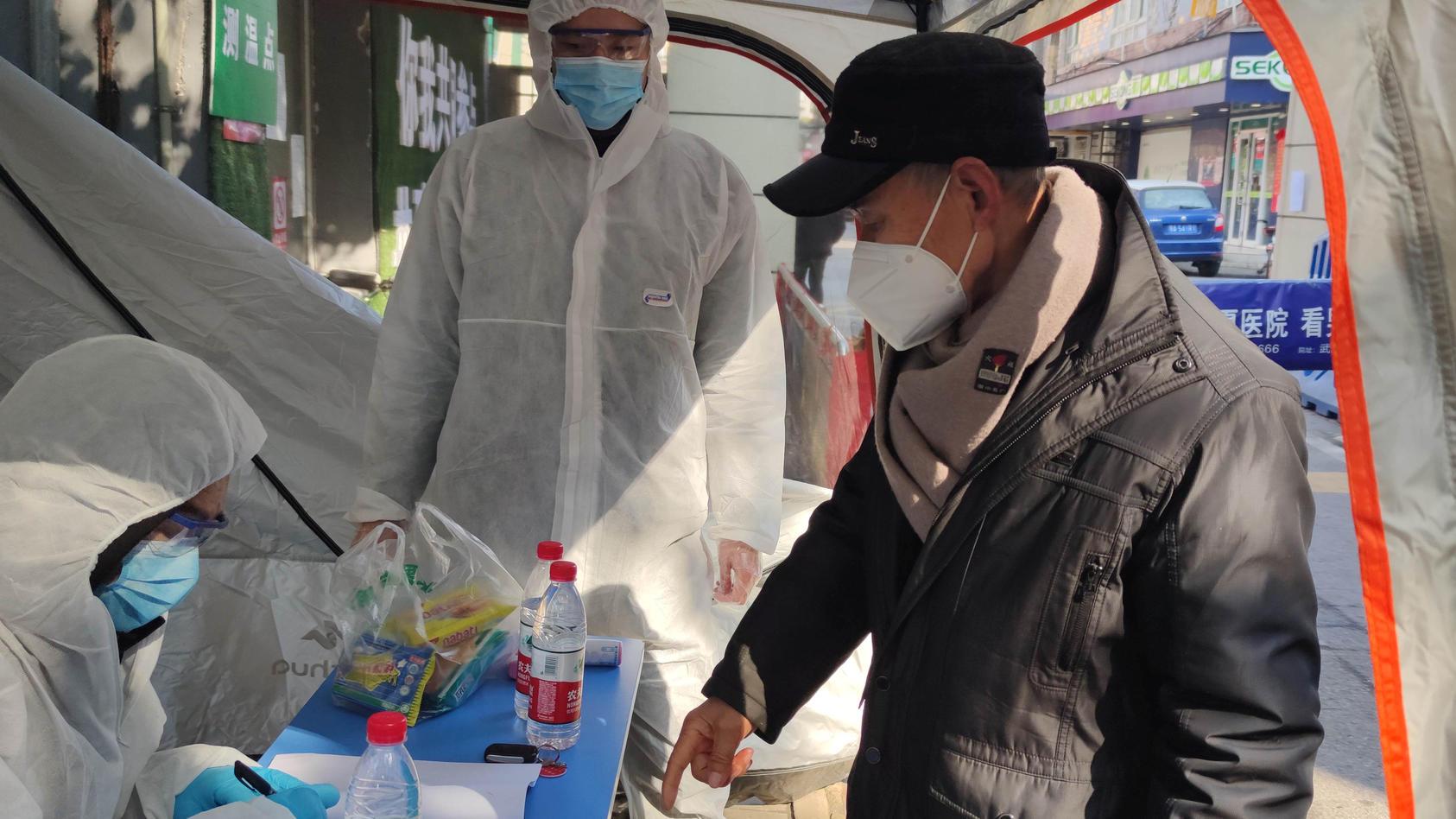Das neuartige Coronavirus hat in China schon 1.016 Menschen das Leben gekostet.