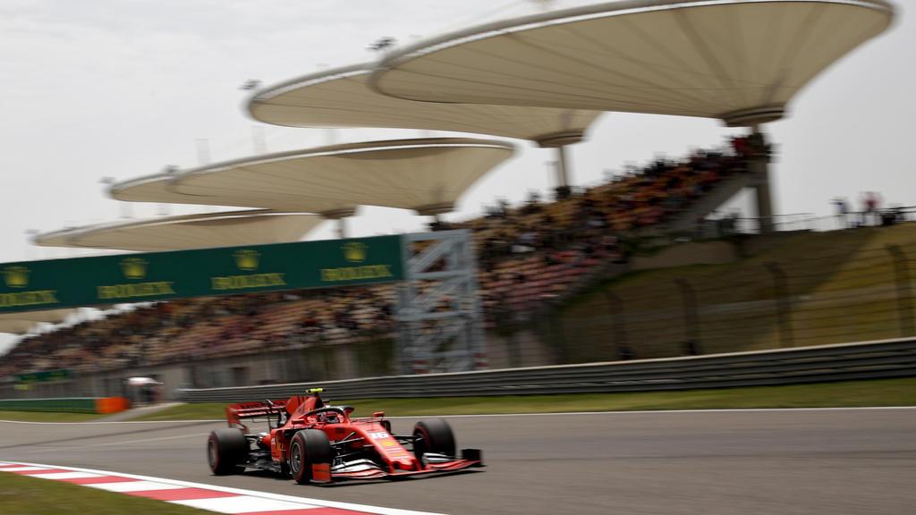 ARCHIV - 12.04.2019, China, Shanghai: Motorsport: Formel-1-Weltmeisterschaft, Grand Prix von China, 3. Freies Training. Ferrari-Pilot Charles Leclerc aus Monaco in Aktion. (zu dpa: «Formel-1-Rennen in China könnte ans Jahresende verlegt werden») Foto