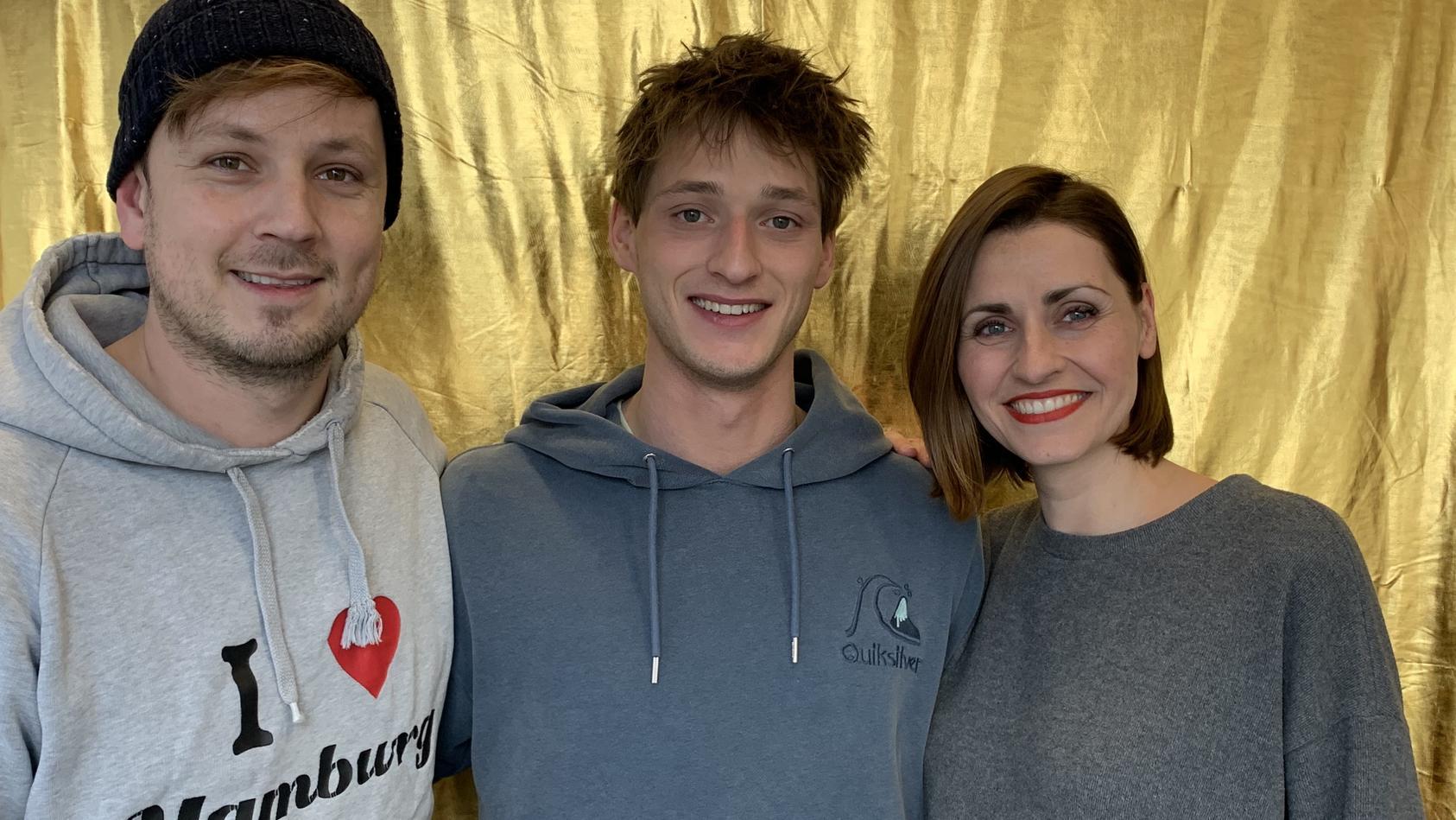 """Martin Tietjen und Bella Lesnik interviewen """"Let's Dance""""-Kandidat Moritz Hans. Der Sportler verrät im Podcast, warum er sich beim Tanzen schwer tut."""