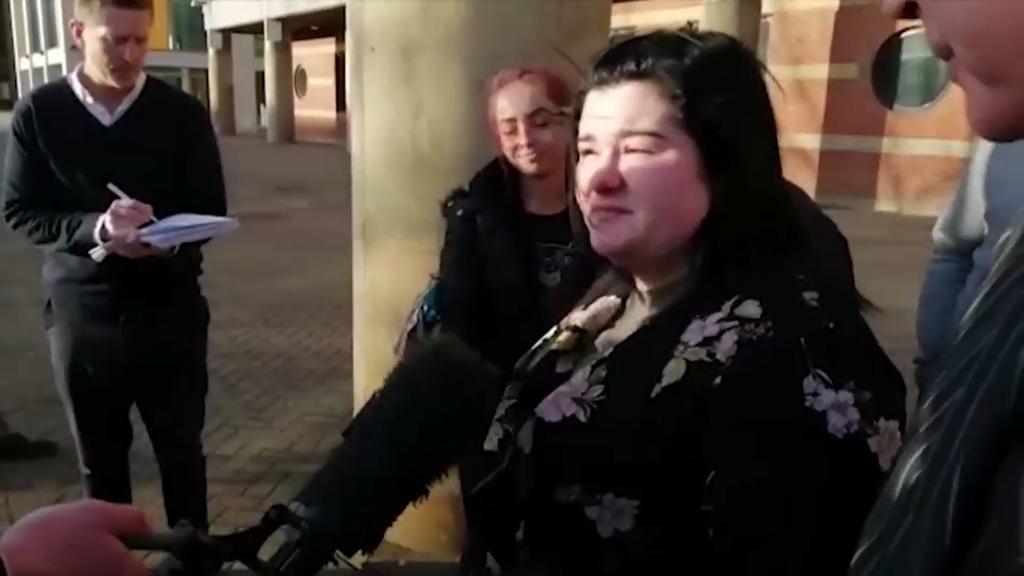 Tochter ersticht Vater und wird freigesprochen
