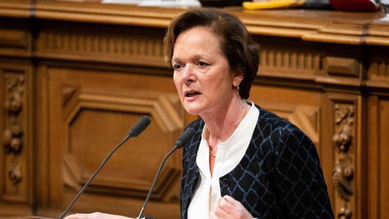 Anna von Treuenfels-Frowein, Fraktionsvorsitzende der Hamburger FDP, spricht in der Bürgerschaft. Foto: Christian Charisius/dpa