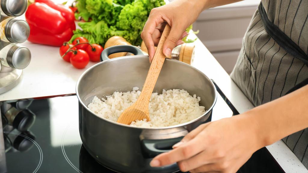 Die Zubereitungsart von Reis entscheidet über den Kaloriengehalt.