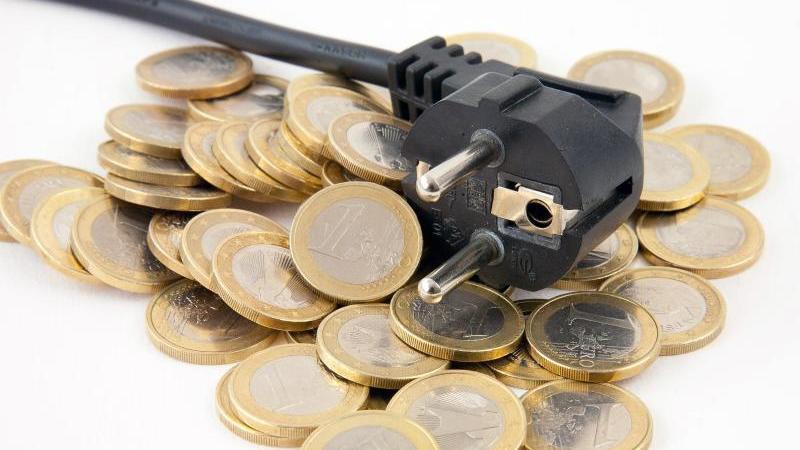 Wer jedes Jahr seinen Energielieferanten wechselt, kann Geld sparen und regelmäßig von Neukundenboni profitieren. Foto: Kai Remmers/dpa-tmn