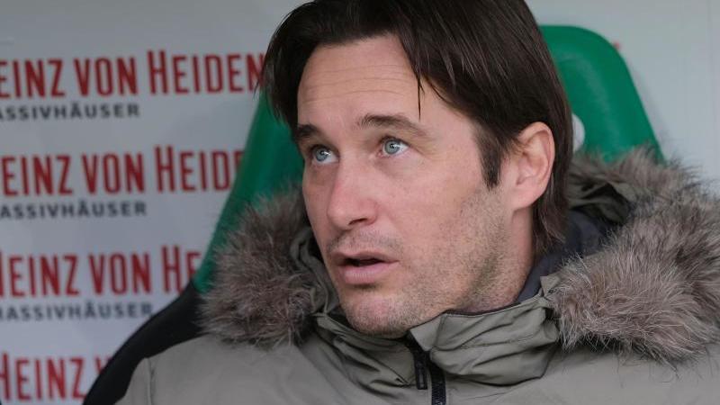 Der Sportliche Leiter von Hannover 96, Gerhard Zuber. Foto: Peter Steffen/dpa