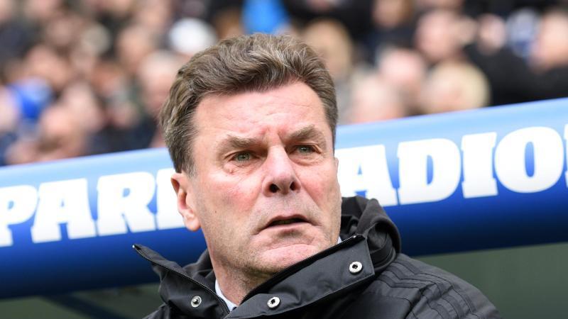 Hamburger SV. Hamburgs Trainer Dieter Hecking. Foto: Daniel Bockwoldt/dpa