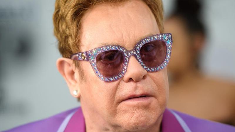 Elton John kann seine Tour fortsetzen. Foto: Matt Crossick/PA Wire/dpa