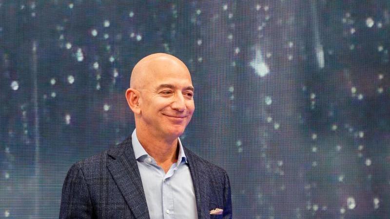Jeff Bezos, Chef von Amazon. Foto: Andrej Sokolow/dpa