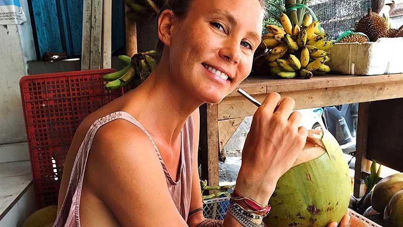 """Die Influencerin Sophie Partik hat eine Welle des Trockenfastens angestoßen. Sie selbst sagt: """"Es ist nicht für jeden etwas!"""""""