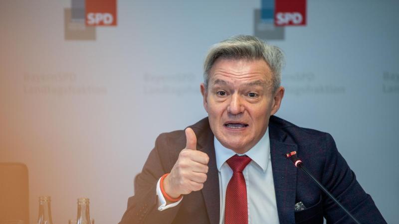 Horst Arnold, Fraktionsvorsitzender der BayernSPD im Landtag, nimmt im Landtag zum Auftakt der SPD Winterklausur an einer Pressekonferenz teil. Foto: Lino Mirgeler/dpa/Archivbild