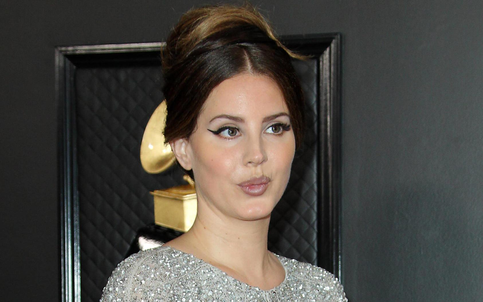 Lana Del Rey hat es die Stimme verschlagen