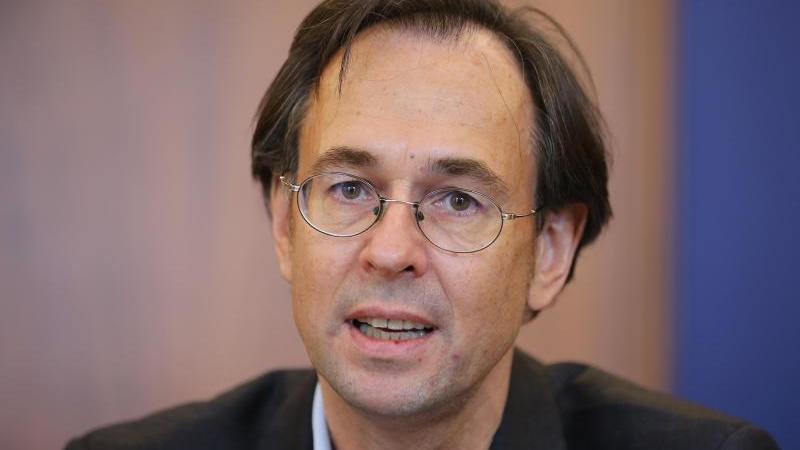 Andreas Zick, Professor an der Universität Bielefeld. Foto: picture alliance / Hannibal Hanschke/dpa/Archivbild