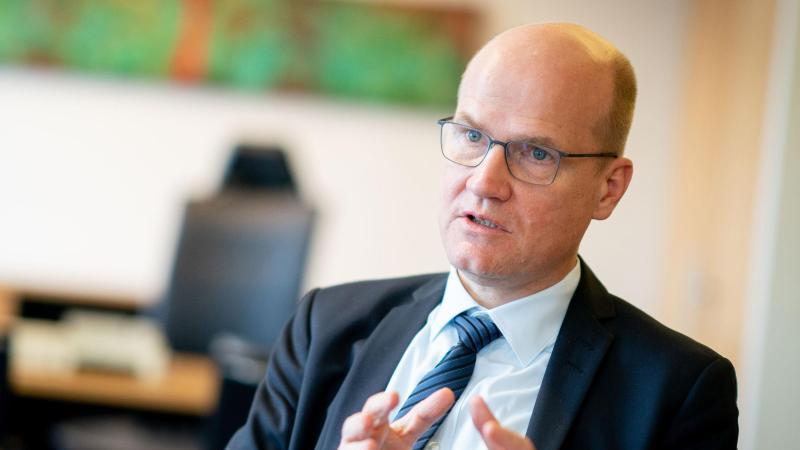 Unionsfraktionschef Ralph Brinkhaus (CDU) pocht auf ein Mitspracherecht der Bundestagsfraktion bei der Nachfolge für Annegret Kramp-Karrenbauer. Foto: Kay Nietfeld/dpa
